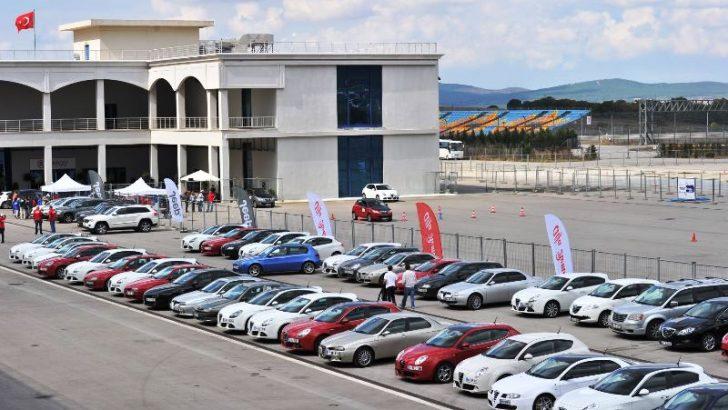 """Alfa Romeo, Lancia ve Jeep, otomobil tutkunlarını,  İstanbul Park'taki """"Testival 2013""""te bir araya getirdi!"""