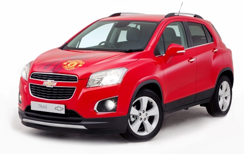 Chevrolet is auctioning a unique Chevrolet Trax signed by the Manchester United first team in a special eBay for Charity auction.