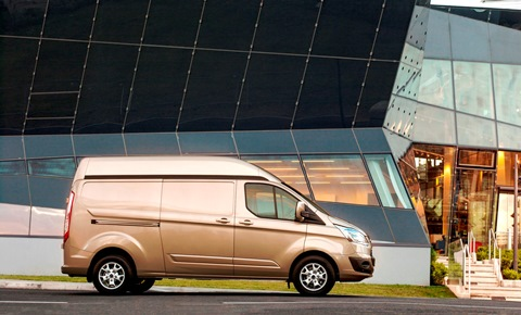 New High-Roof Ford Transit Custom Now Available to Customers Across Europe