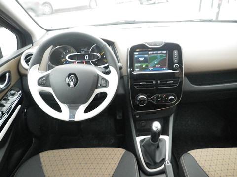 Renault clio test6