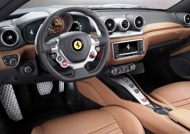 FERRARI CALIFORNIA T_4