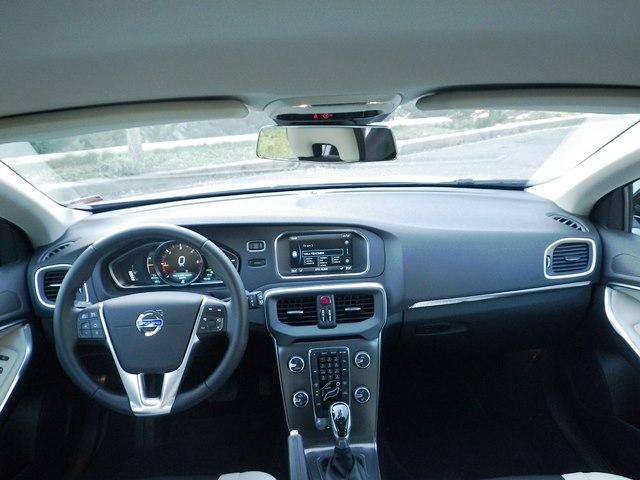 Volvo v40 test6