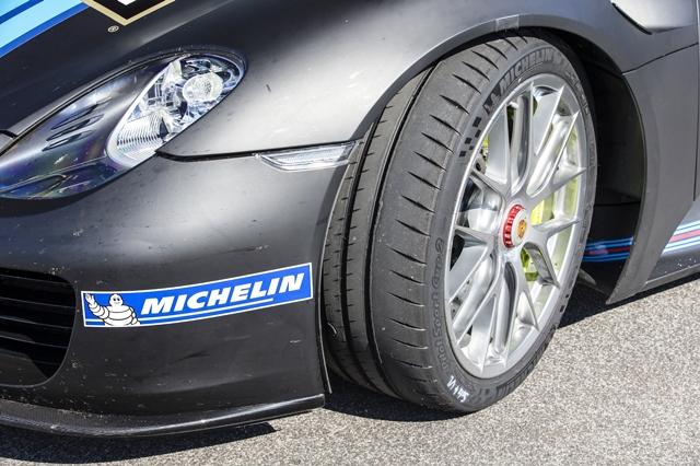 Michelin_Porsche_Isbirlikleri2