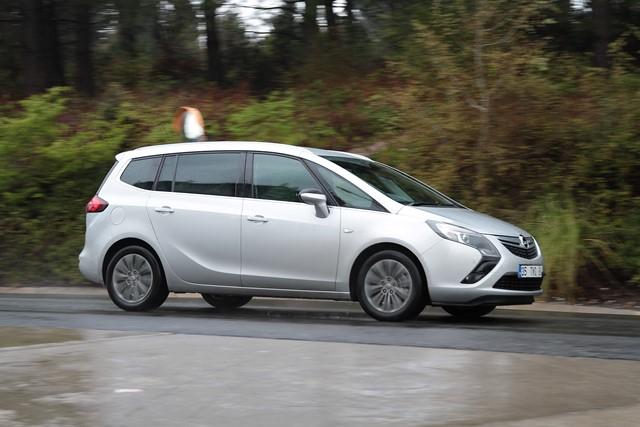 Opel Zafira test1