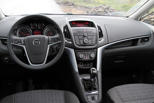 Opel Zafira test2
