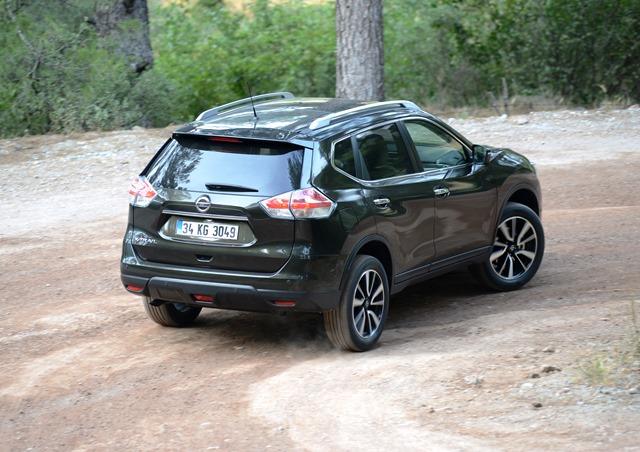 Nissan_X-Trail_Lansman11
