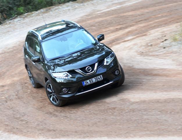 Nissan_X-Trail_Lansman12