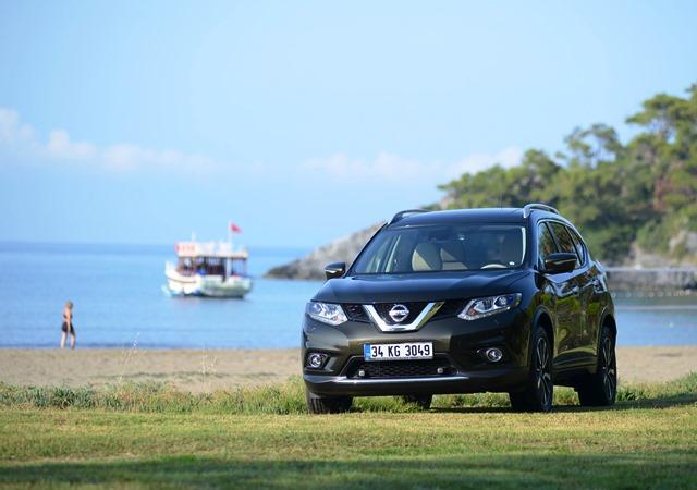 Nissan_X-Trail_Lansman4