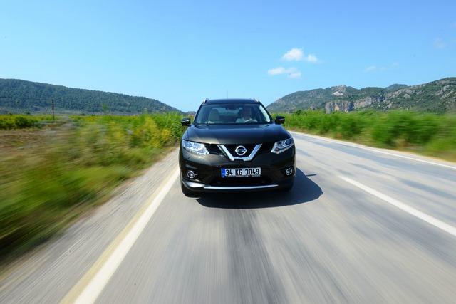 Nissan_X-Trail_Lansman6