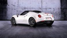 """Alfa Romeo 4C Spider, Avusturya'da """"2014'ün En Güzel Otomobili"""" seçildi."""