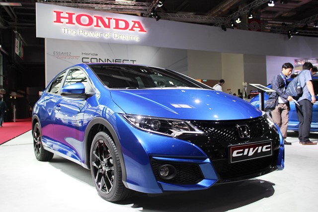 Honda_Paris1