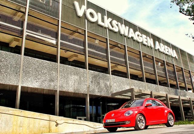Volkswagen_Arena  (1)