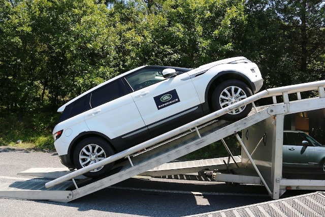 Land Rover (2)