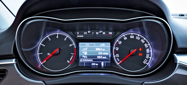 Opel-Corsa-289637