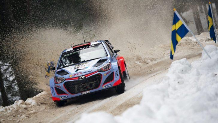 HYUNDAI i20 WRC İSVEÇ'TE PODYUMA ÇIKTI