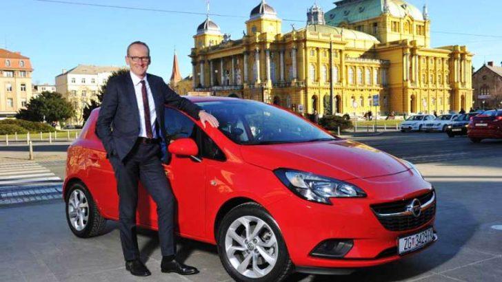"""Opel CEO'su Dr. Karl- Thomas Neumann AutoBest 2015 """"Yılın En İyi Otomobili"""" ödülünü teslim aldı"""
