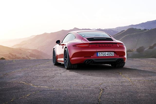 Porsche_911 Carrera GTS1