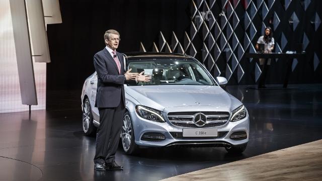 Mercedes-Benz  Cenevre Otomobil2