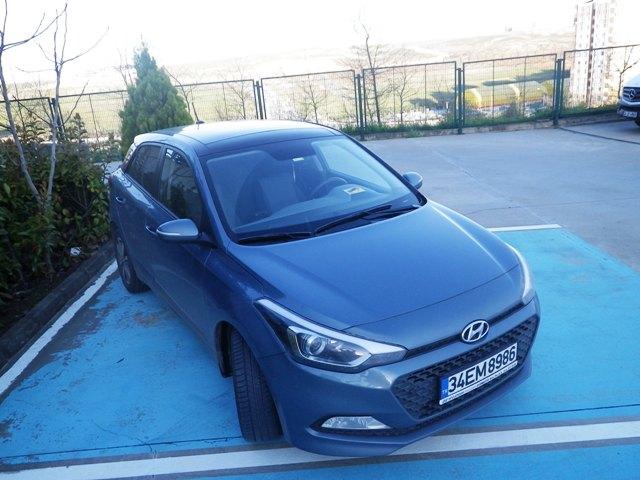 Hyundai i20 test2