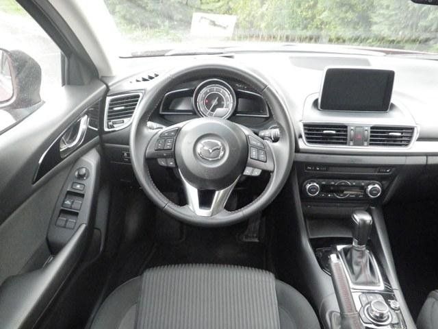Mazda 3 test5
