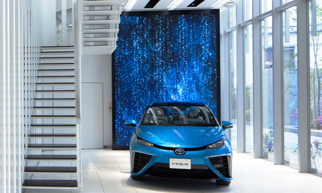 Toyota Mirai_Showroom2