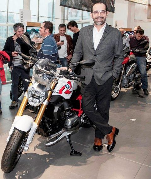 BMW motosiklet 2