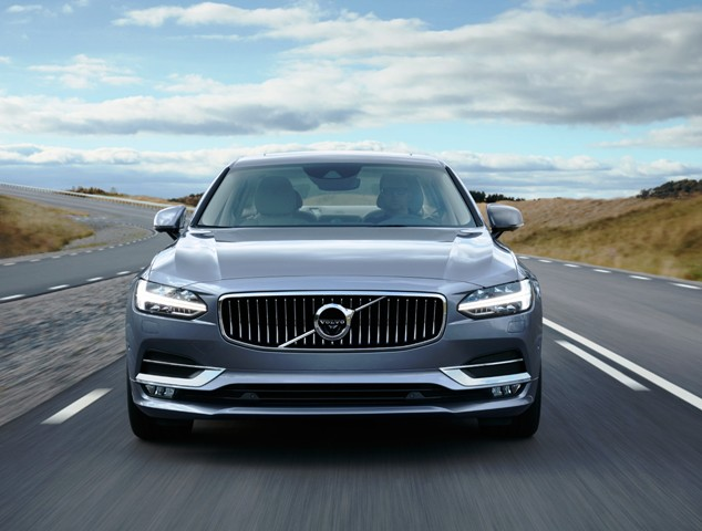 170828_Location_Volvo_S90_Front_Mussel_Blue
