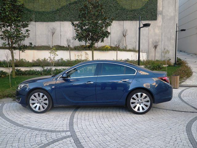 Opel insignia test2