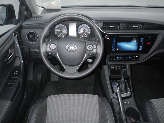 Toyota Auris test3
