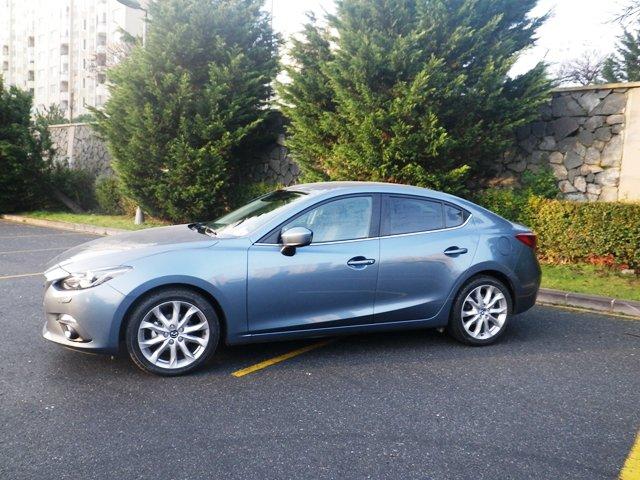 Mazda 3 test3