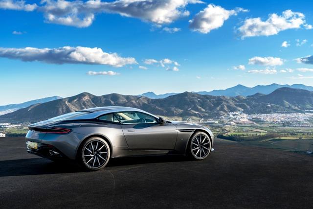 Aston_Martin_DB 1