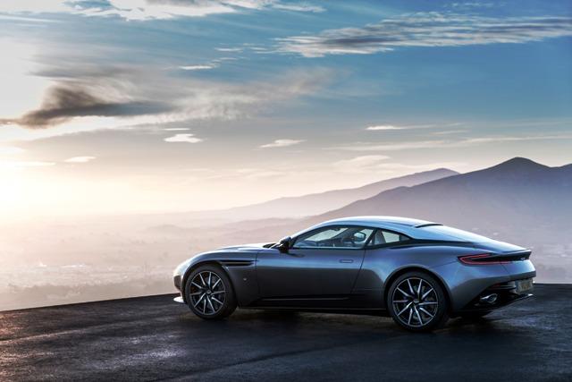 Aston_Martin_DB 2