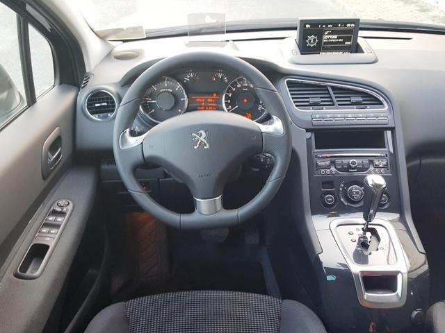 Peugeot_ 5008 test1