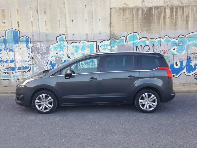 Peugeot_ 5008 test2