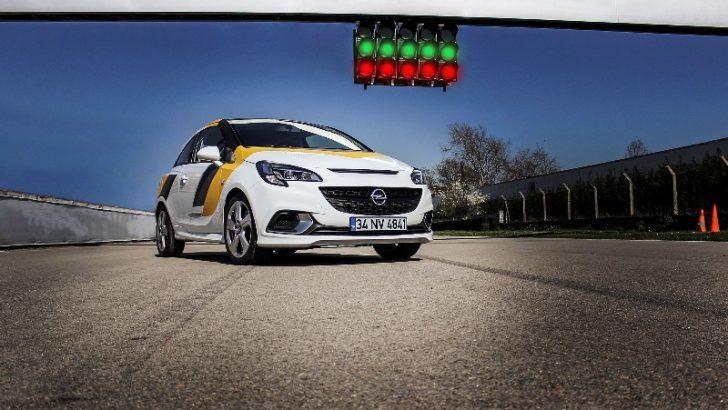 Opel Corsa OPC'ler Yarışa Hazır!