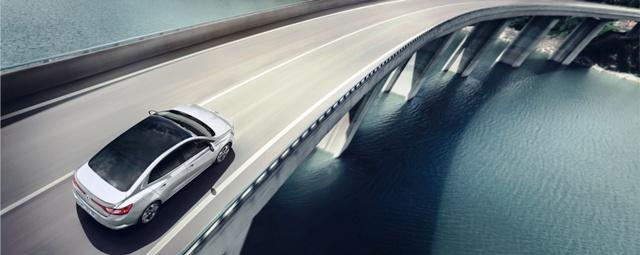 Renault _Megane_sedan_4