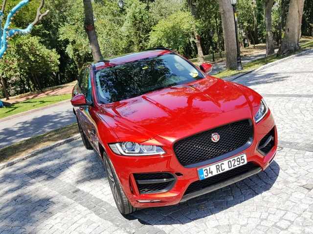 Jaguar suv test3