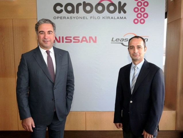 Nissan_Carbook_2