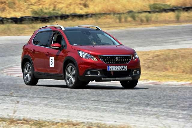 Peugeot 2008_Peugeot 208_TR_3