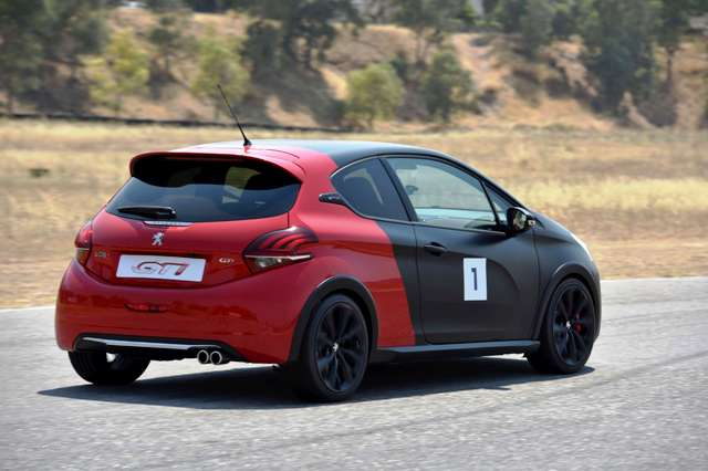Peugeot_208_308_GTi_2