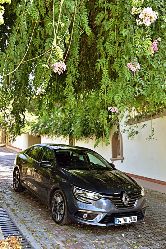 renault-megane-sedan6