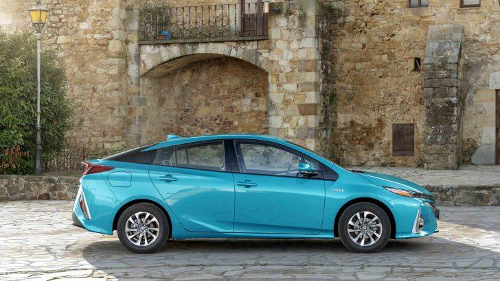 Toyota Prius Plug-in Hybrid En Çevreci Otomobil Olduğunu Kanıtladı