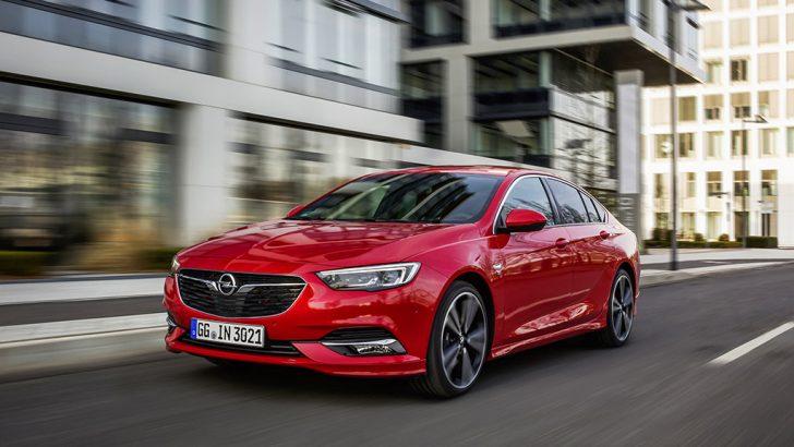 """Opel Insignia """"2019 Yılın Dört Tekerlekten Çekişli Otomobili"""" seçildi!"""