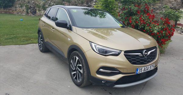 Opel'in en büyük 'X'i