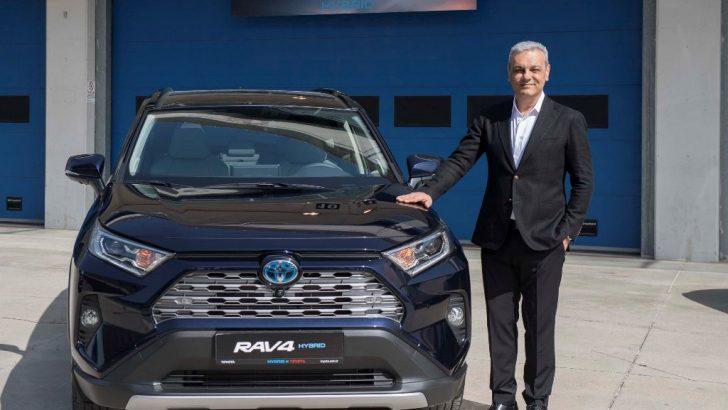 Toyota'nın hibrit iki oyuncusu satışa çıktı