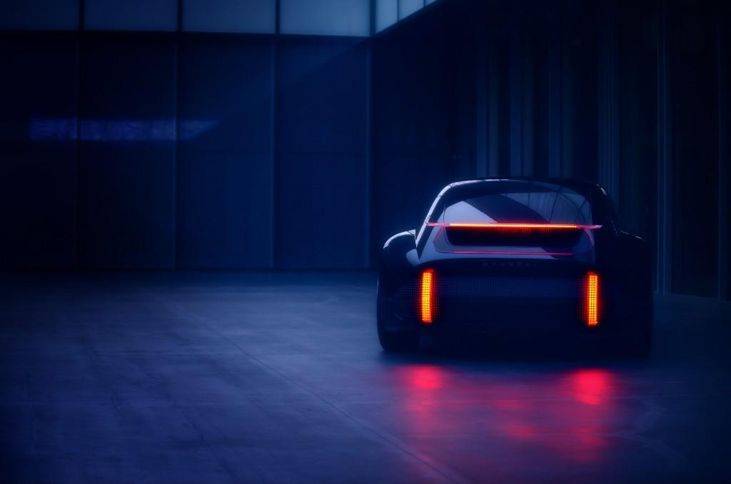 Bu görsel boş bir alt niteliğe sahip; dosya adı Hyundai-Prophecy-EV-Concept.jpg