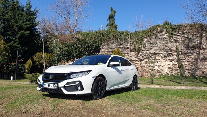 Honda Civic HB Teknoloji ile Donandı