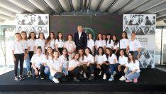Mercedes-Benz'in gençlere verdiği destekler aralıksız sürdürülüyor