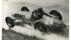 """Alfa Romeo """"Alfetta"""" günümüz yarış otomobillerine ilham veriyor!"""