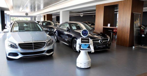 OTOMOL'de Robot ile servis!
